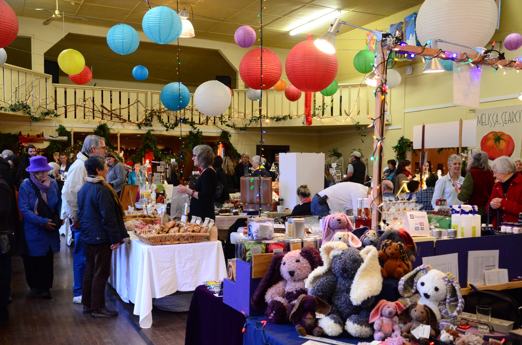 Fulford hall christmas craft fair salt spring island for Crafts for selling at market